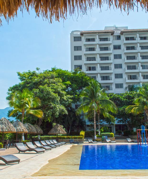 Piscina GHL Hotel Relax Costa Azul Santa Marta