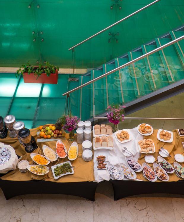 Servicio gastronómico de excelencia y para todos los gustos. Howard Johnson Hotel & Suites Córdoba