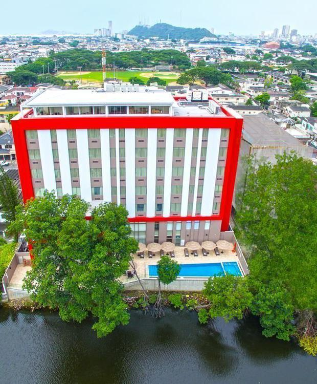Fachada Hotel Radisson Guayaquil Guayaquil