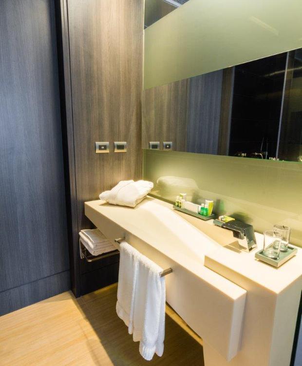 Baño Habitación Superior Bioxury Hotel Bogotá