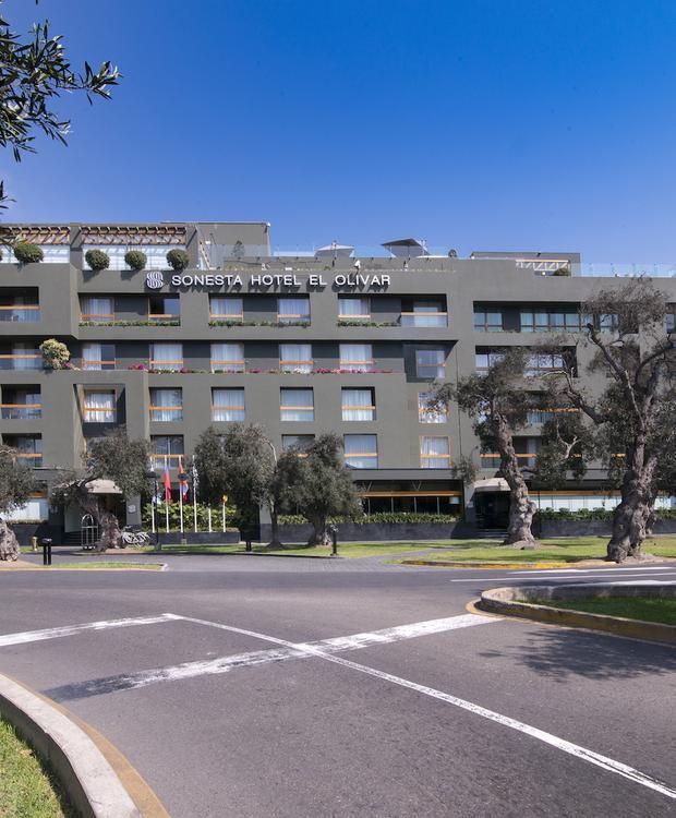 Fachada Sonesta Hotel El Olivar Lima