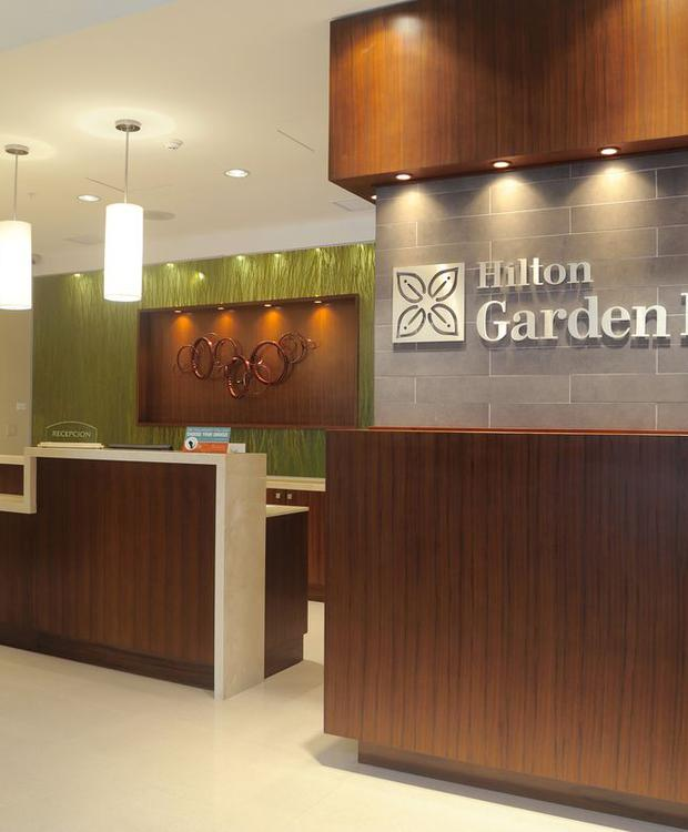 Recepción Hotel Hilton Garden Inn Panamá Ciudad de Panamá