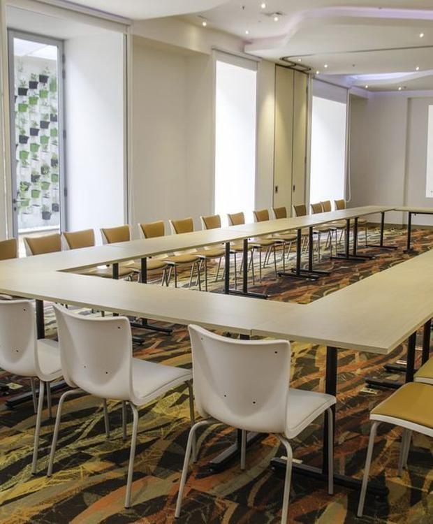 Sala de reuniones Biohotel Organic Suites Bogotá