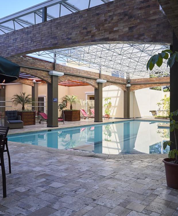 Piscina Sonesta Hotel Loja Loja