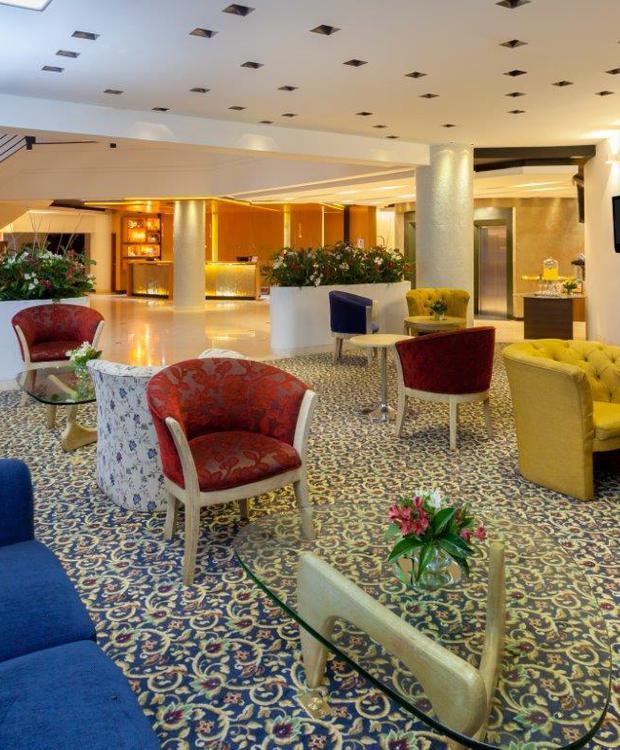 Lobby Hotel Four Points By Sheraton Medellín Medellín