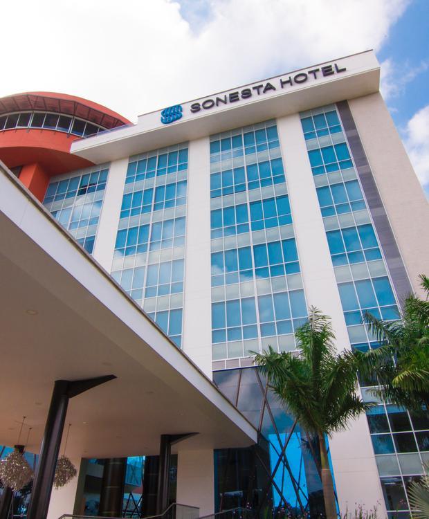 Fachada Sonesta Hotel Pereira Pereira