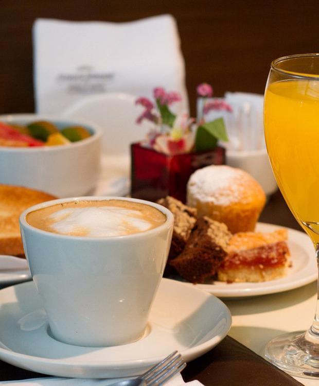 Desayuno Howard Johnson Hotel & Suites Córdoba