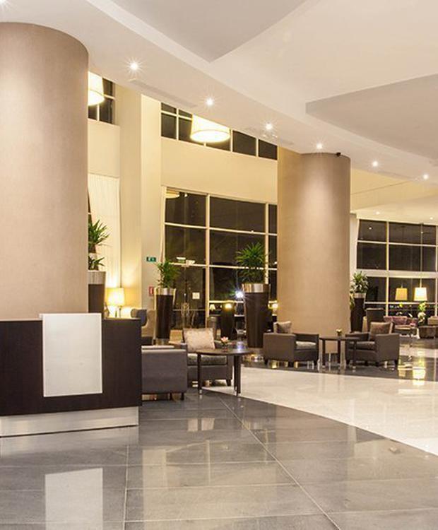 Lobby Hotel Wyndham Guayaquil Guayaquil