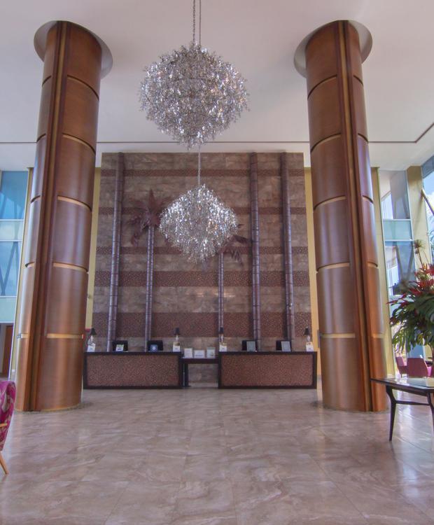 Lobby Sonesta Hotel Pereira Pereira
