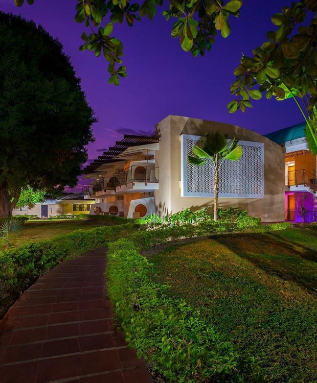 Fachada GHL Relax Hotel Club El Puente Girardot