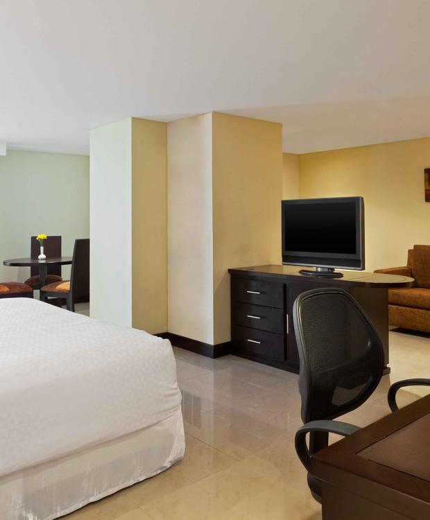 Habitación Junior Suite Hotel Four Points By Sheraton Cali Cali