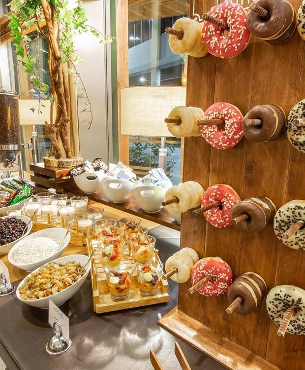 Desayuno buffet Sonesta Hotel Osorno Osorno